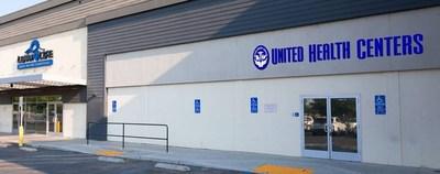 United Health Centers of the San Joaquin Valley abrirá una clínica junto a un centro de aprendizaje de Learn4Life en Fresno para que los estudiantes y sus familias puedan tener acceso a atención de la salud, incluso exámenes médicos, inmunizaciones y análisis de covid-19 sin costo.