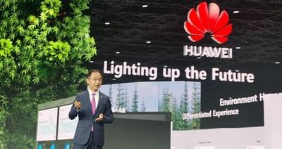 Ryan Ding en el discurso de apertura (PRNewsfoto/Huawei)